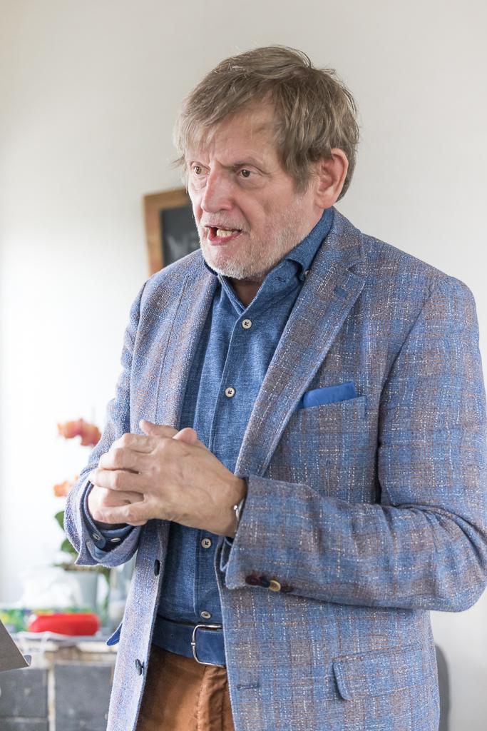 Pieter Jonker bestuurslid  van uitgever Stichting Nobilis spreekt.